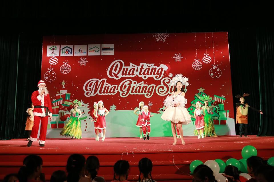 Mầm non Việt Úc - Quà tặng mùa giáng sinh