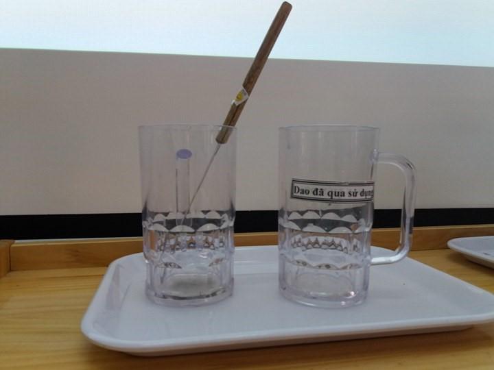 Montessori - Hướng dẫn chuyển dao kéo